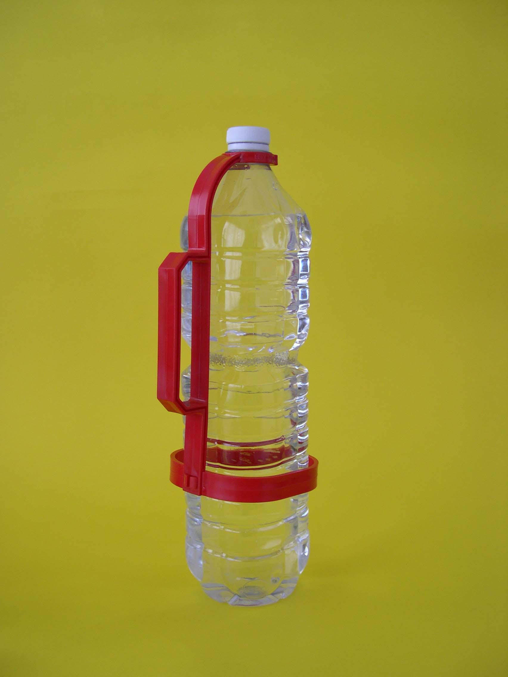 Manico porta bottiglie quadrato in plastica gadget - Porta acqua per termosifoni ...